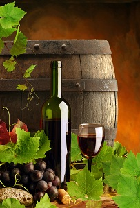 Algarve red wine cask and grapes
