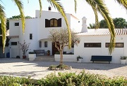Modern four bed villa in Vale do Milho