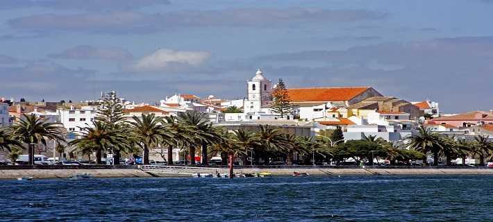 Calçadão para um passeio marítimo em Lagos, Algarve